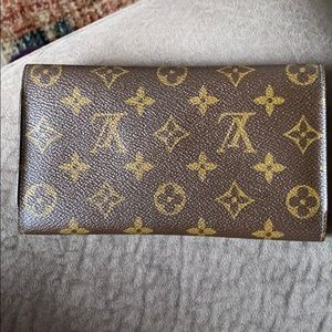 Louis Vuitton Bags - SOLD! Louis Vuitton wallet
